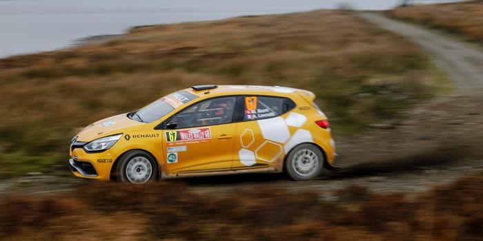 Renault-Sport-Rally-Team-termine-sa-saison-2016-avec-les-honneurs