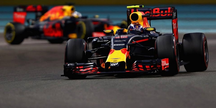 Officiel-Red-Bull-signe-avec-ExxonMobil-Total-sur-le-depart