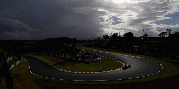 Max-Verstappen-3eme-sur-la-grille-a-Suzuka-Daniel-Ricciardo-trahi-par-son-accelerateur