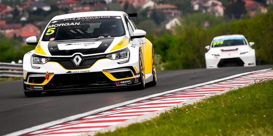 La-Renault-Megane-R-S-TCR-se-montre-en-TCR-Europe
