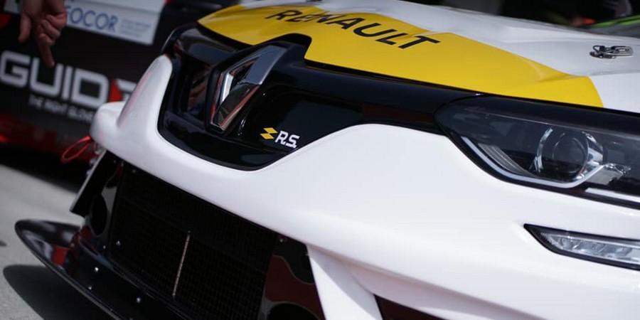 Premiere-victoire-pour-la-Renault-Megane-R-S-TCR