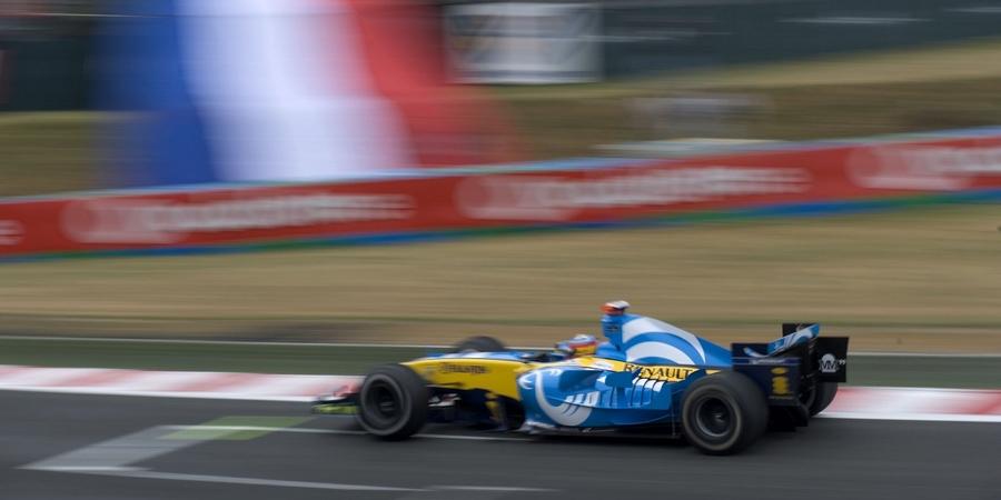 Une-Renault-R25-pour-celebrer-la-fin-d-une-ere-avant-l-aventure-Alpine