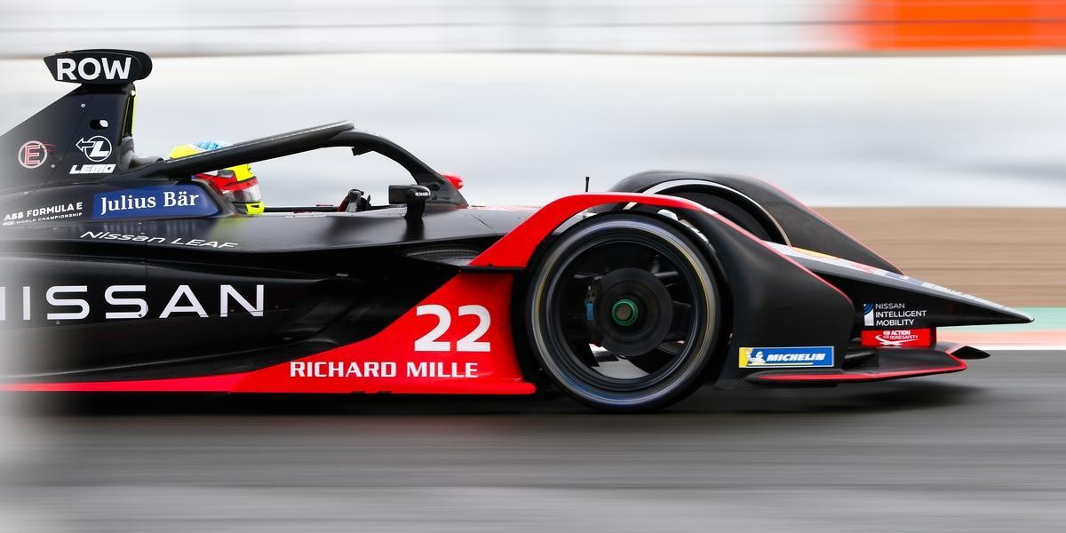 Double-ePrix-de-Diriyah-Nissan-sauve-quelques-points-avant-son-evolution