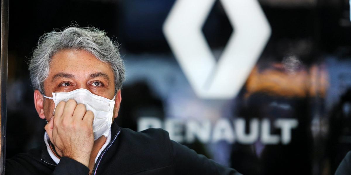 En-veritable-capitaine-Luca-de-Meo-premier-supporter-d-Alpine-en-Formule-1