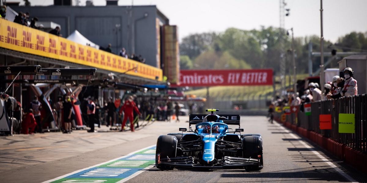 Imola-EL1-la-premiere-marque-pour-Mercedes-touchette-pour-Esteban-Ocon