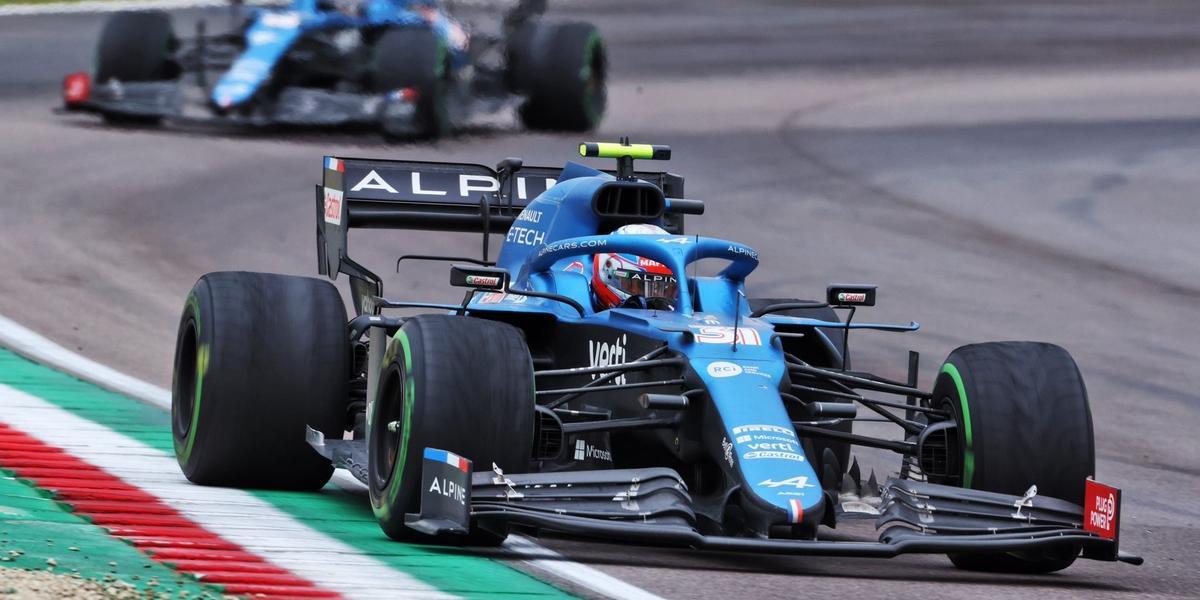 Imola-Course-Verstappen-au-dela-du-chaos-Alpine-surnage-et-sauve-un-top-10