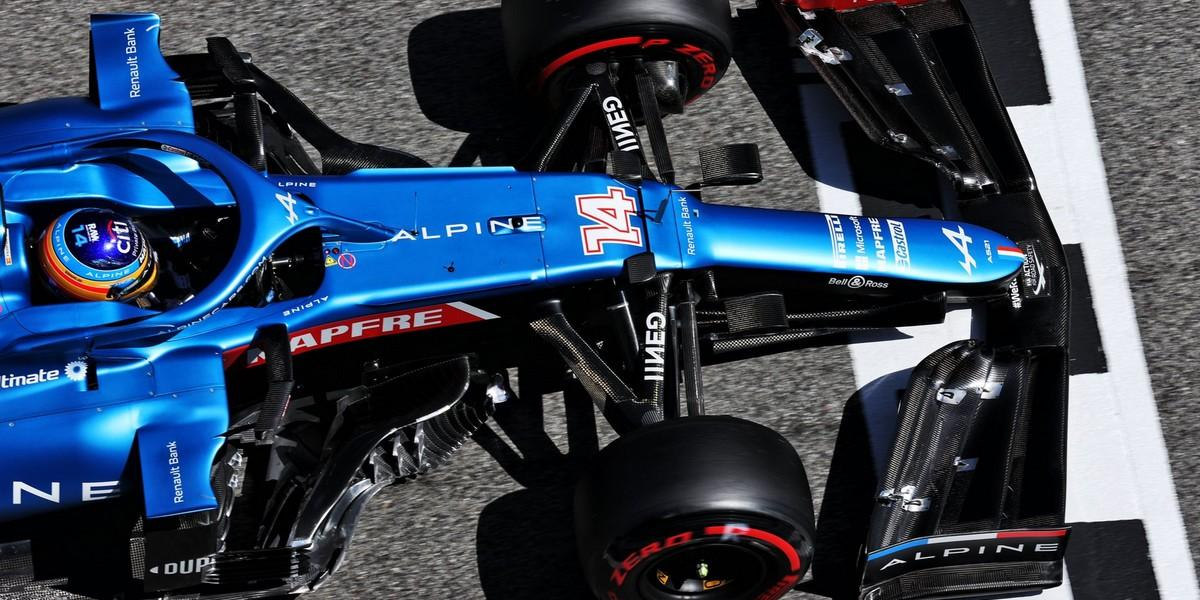 Espagne-Course-Lewis-Hamilton-imperial-des-points-au-bout-des-pneus-pour-Alpine