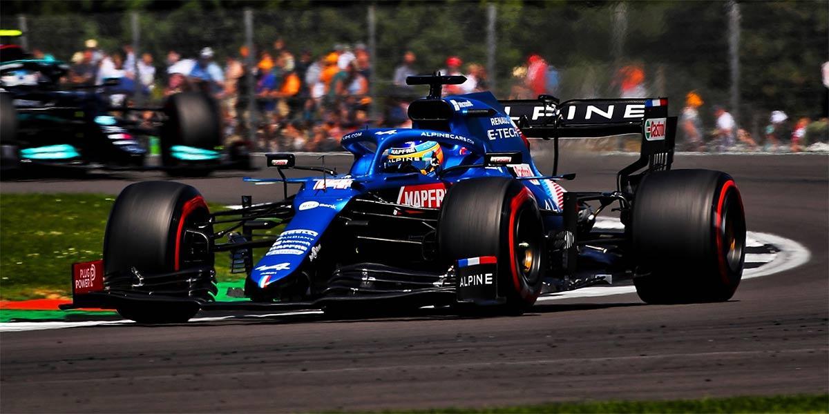 Grande-Bretagne - Course : Hamilton grand vainqueur malgré un spectaculaire accrochage
