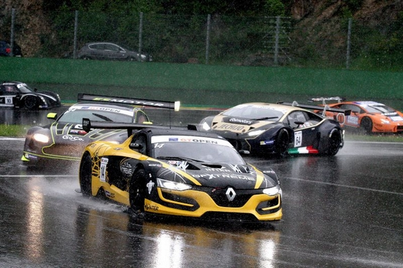 Renault RS 01 ... GT3 ?  PCM_RS01_2016_000000004
