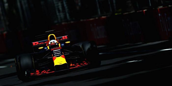 Bakou-Course-Ricciardo-Red-Bull-et-Renault-victoire