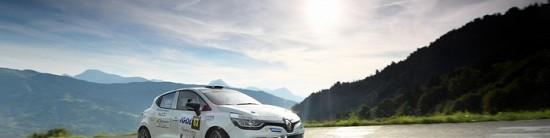 Renault-Sport-Racing-Team-au-depart-du-Rallye-Monte-Carlo