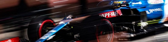Hongrie-EL3-Lewis-Hamilton-se-place-avant-les-qualifications