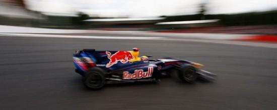 Mercedes-Benz-chez-Red-Bull-gratuitement
