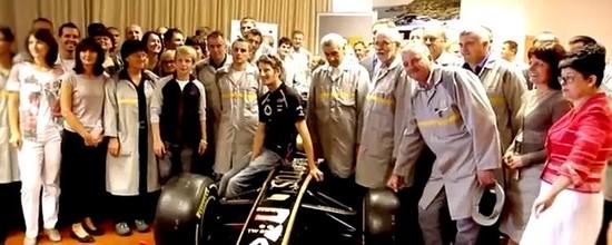 Romain-Grosjean-visite-l-usine-Renault-de-Novo-Mesto