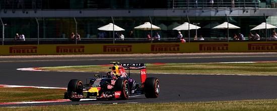 Des-problemes-mais-une-performance-en-hausse-pour-Renault