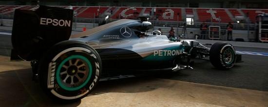 Barcelone-II-J1-Nico-Rosberg-et-Mercedes-montrent-les-crocs