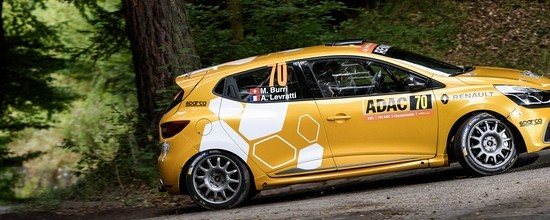 Renault-Sport-Rally-Team-passe-a-cote-du-rallye-d-Allemagne