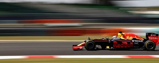 Sepang-Course-Red-Bull-arrache-un-double-sensationnel