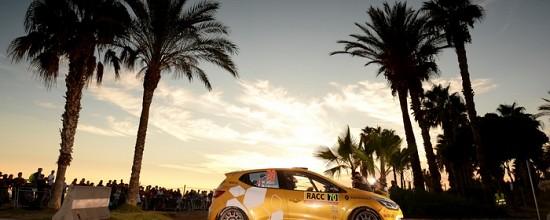 Renault-Sport-Rally-Team-s-illustre-en-Catalogne