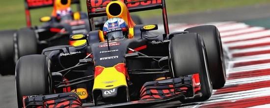 Vettel-penalise-Ricciardo-recupere-la-troisieme-marche-du-podium