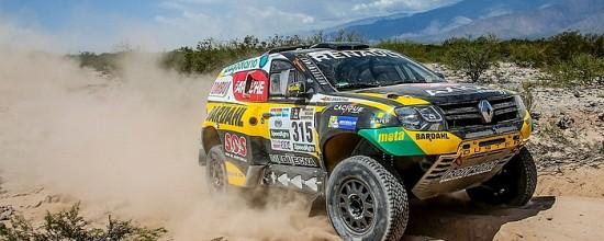 Dakar-2017-Mi-parcours-Le-Renault-Duster-poursuit-sa-resistance