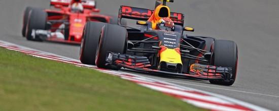 Daniel-Ricciardo-et-Daniil-Kvyat-assurent-le-top-10-a-Shanghai