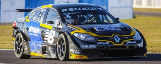 Renault-enflamme-le-Supertourisme-argentin