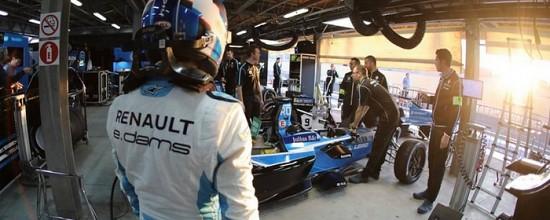 Journee-solide-pour-Renault-et-ses-equipes-au-Rookie-Test