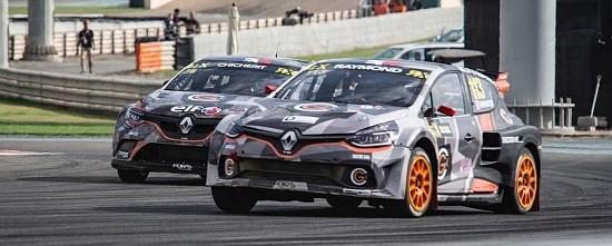 Les-Renault-a-l-assaut-de-la-deuxieme-epreuve-du-World-RX