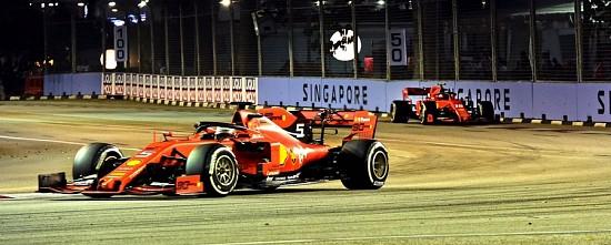 Singapour-Course-Sebastian-Vettel-victorieux-et-un-double-Ferrari