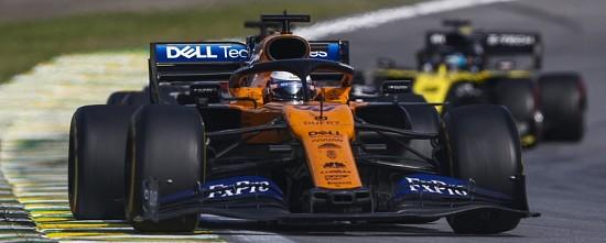 GP-du-Bresil-Lewis-Hamilton-penalise-de-5-secondes-Carlos-Sainz-prend-la-troisieme-place