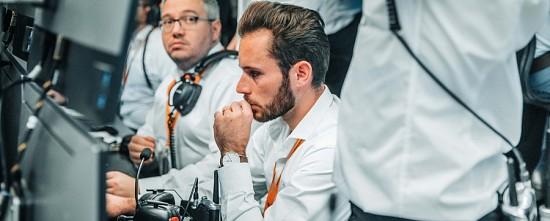 La-nouvelle-McLaren-Renault-MCL35-a-rugi-pour-la-premiere-fois