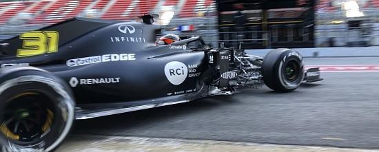 EP-J1-Le-cap-des-100-tours-depasse-par-Renault-et-McLaren