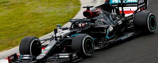 Hongrie-EL3-Mercedes-domine-sous-une-meteo-tres-menacante