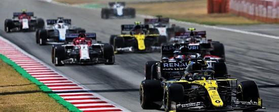 Barcelone-Course-Lewis-Hamilton-en-taille-patron-pas-de-point-pour-Renault