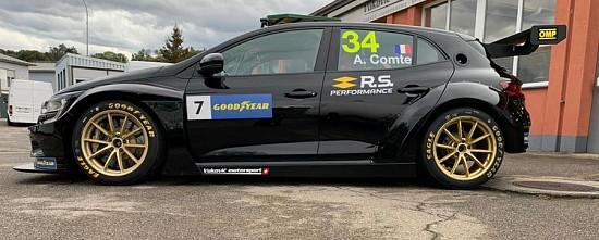 Renault-s-offre-un-nouveau-pilote-en-WTCR-et-une-version-TC4-de-la-Megane