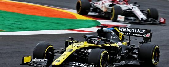 Imola-EL-les-Renault-dans-le-match-Mercedes-devant