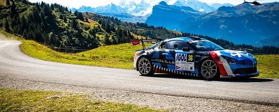 Alpine-au-depart-d-une-manche-du-WRC-en-decembre