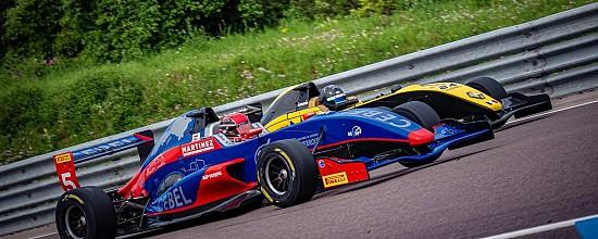 Formule-Renault-Cup-TTE-quand-l-rsquo-Histoire-et-la-formation-pilote-se-rencontrent
